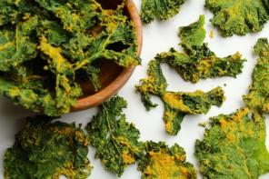 Chips de kale façon fromagère