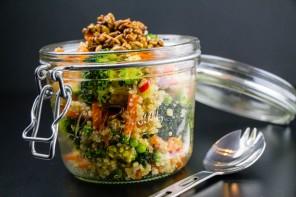 Une salade de quinoa à emporter