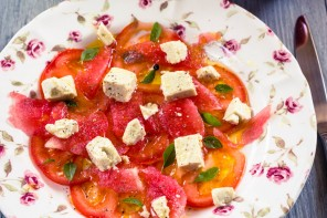 Carpaccio de tomates et pastèque et sa feta végétale